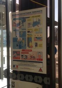 Tälläisiä löytyy näköjään nykyään juna-aseman pikaruokalan ovesta.