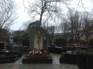Paris: Cemetery of famous people.